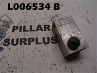 Fluid Controls Manifold Block 1A32F4-60S with plug