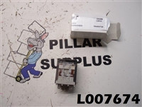 Allen Bradley General Purpose Flange Cover Square Base Relay 700-HD32Z24